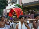 Sreenivasa-Perumal-Comes-Around-Mylapore-Mada-Chitrakulam-Streets-Vedhantha-Desikar-Naachiyaar-Thiru-Kolam-Small-Kids-Children