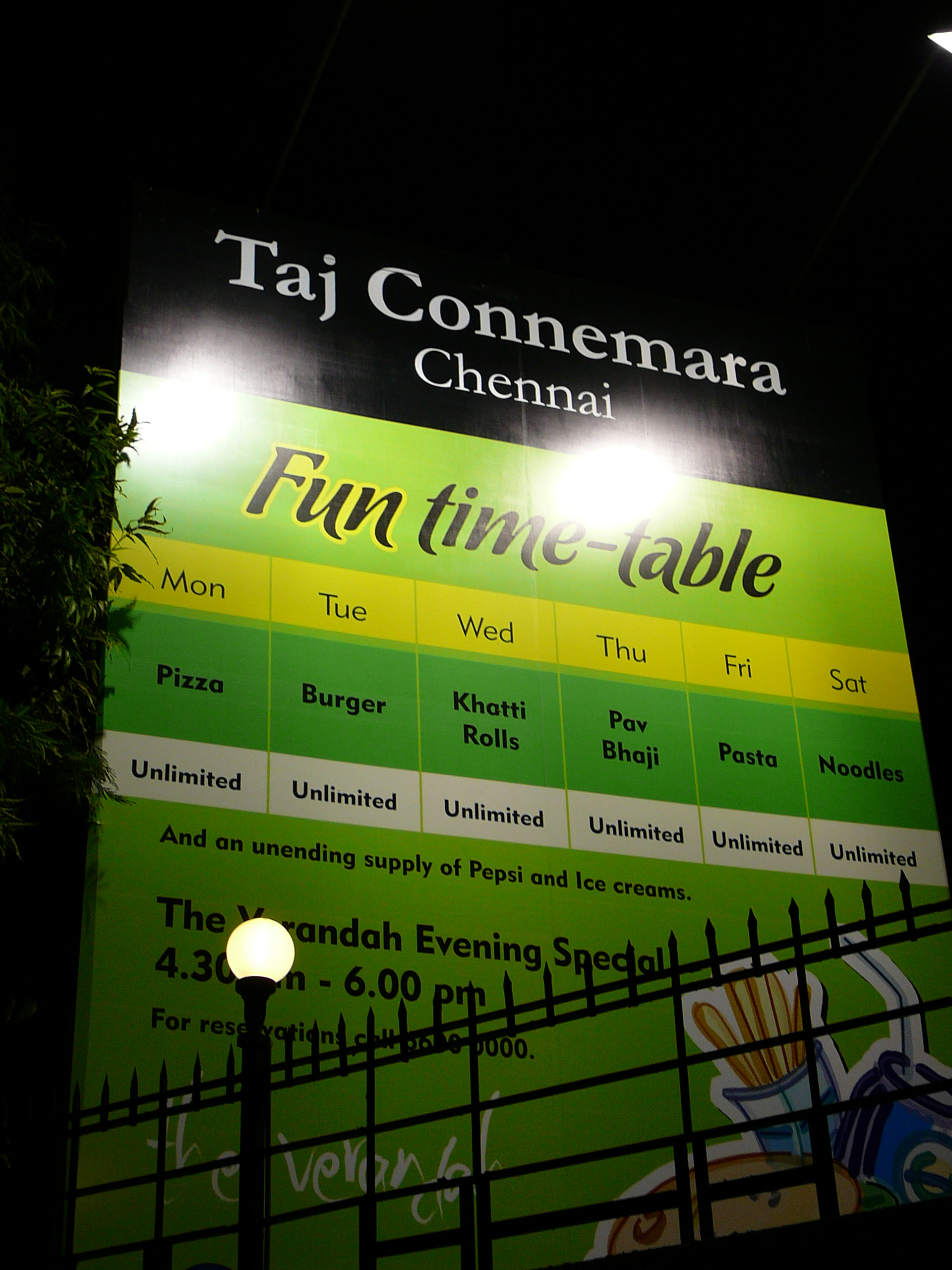 Taj-Connemara-Western-Food-Buffet-Meals-Pizza-Pasta