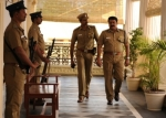 Mohanlal-cop-attire=anupam-kher-retire-unnaip-pol-oruvan-films-cinema-movies